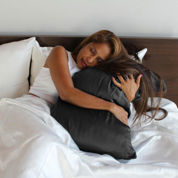 black mulberry silk pillow case