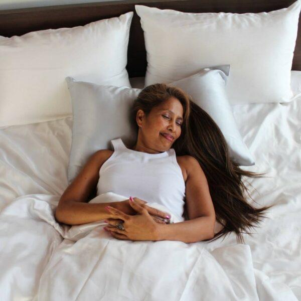 silver mulberry silk pillowcase